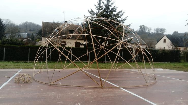 Star dôme de 8 mètres de diamètre ainsi que sa maquette.